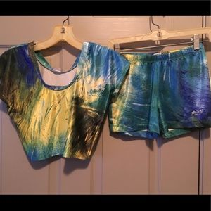 Hotskins tie-dyed workout shorts and crop top.